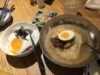 冷麺とピビンパプ