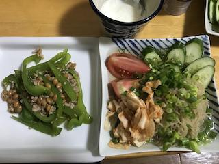 夕食 納豆ピーマンと冷麺
